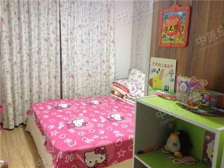 宝翠花都探景园-卧室