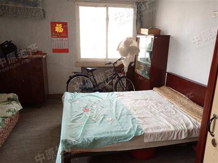 光湖里-卧室