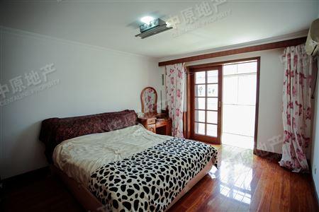 龙海公寓-卧室