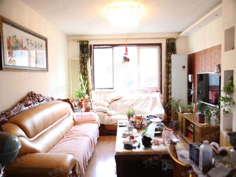 后现代城 精装修 三室一厅两卫