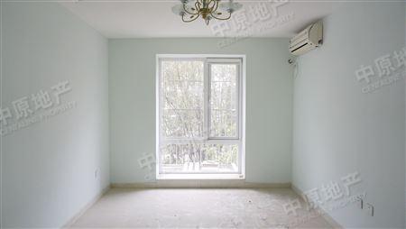 万和里-卧室