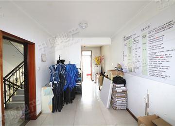 太阳城绿萱园 2室2厅1卫 客厅朝南 两房朝南